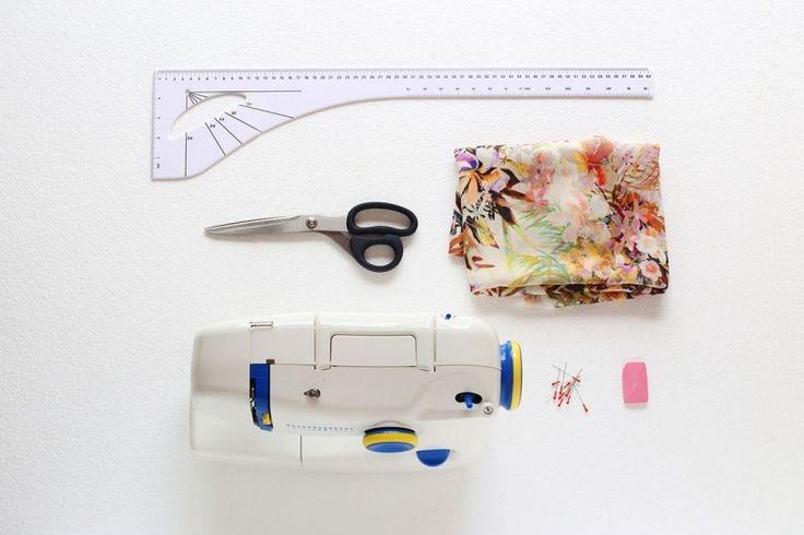 veste-kimono-femme-machine-coudre-ciseaux-metre