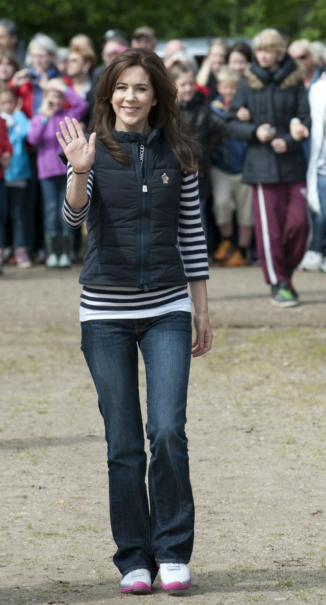 Crown Princess Mary of Denmark, June 2012... perfect casual outfit