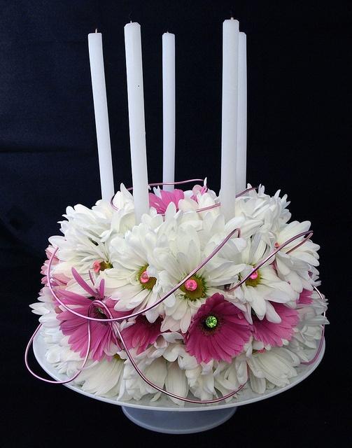 Daisy Cake - Ardith Beveridge, AAF, AIFD, PFCI, CAFA by Flower Factor, via Flickr