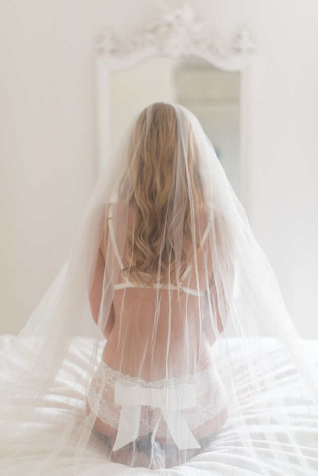 How To Prepare For a Boudoir Shoot | Julie Michaelsen Photography | Bridal Musings Wedding Blog
