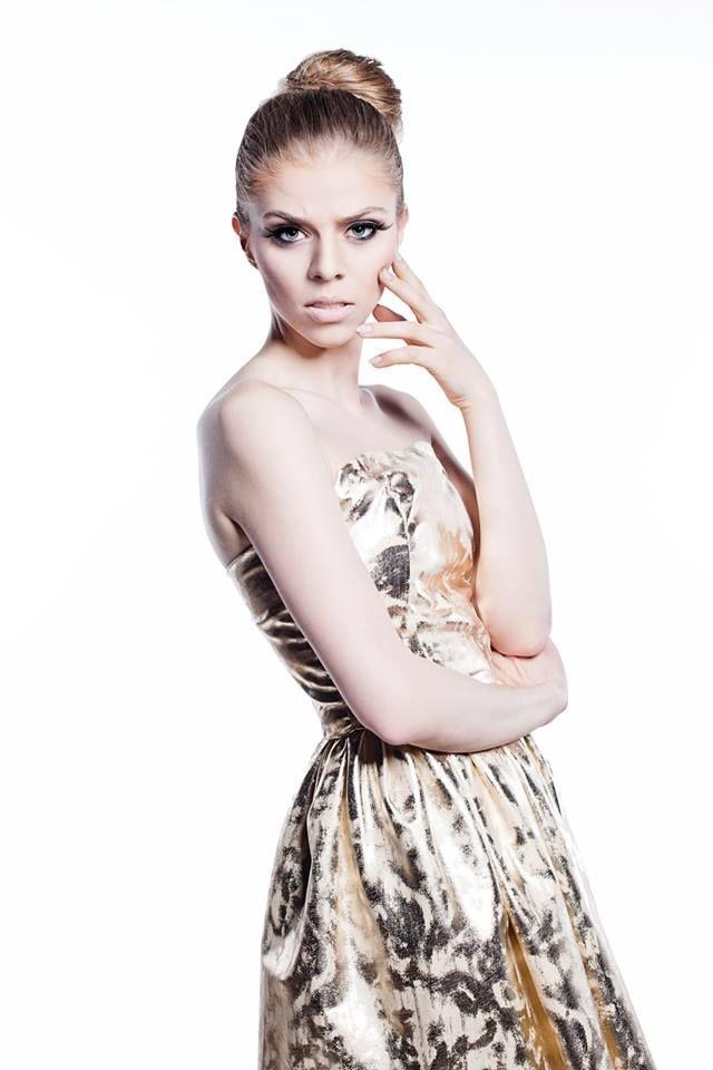 Fashion designer : Gabriela Hezner Photographer : Agnieszka Nowicka make-up : Catherine Pytlos SHOP https://www.polscyprojektanci.com/pl/sukienki-polskich-projektantow-sklep-online/3168-gabriela-hezner-gorsetowa-sukienka-zlota-eko-skora.html
