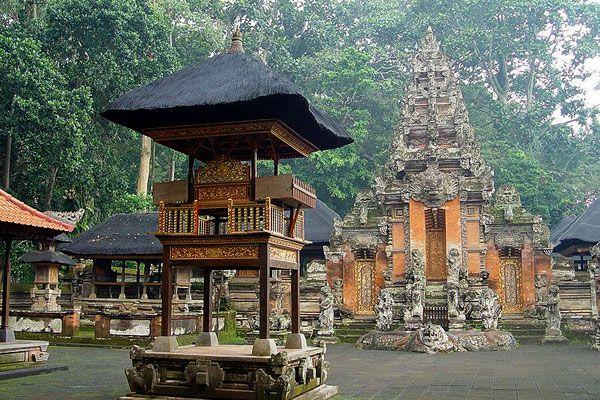 Sacred Monkey Forest Ubud Sactuary - Mandala Wisata Wenara Wana - Desa Adat Padangtegal - Ubud, Bali, Indonesia.