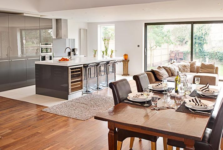 Getting creative the open plan kitchen dinner buyers for Open plan kitchen ideas