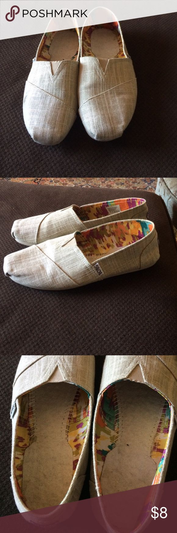 Bobs shoes Tan shoes like (toms) . A little scuff on the side. Worn maybe 3 times. Final price Shoes Flats & Loafers