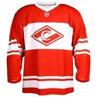 Свитер хоккейный (реплика)  Состав: 100% полиэстер  Хоккейный свитер выполнен в характерном красно-белом цвете. Большой спартаковский ромб на груди и логотип Континентальной Хоккейной Лиги исполнен качественной сублимацией. Реплика домашней игровой формы москвичей, которая станет незаменимой для похода на хоккей.