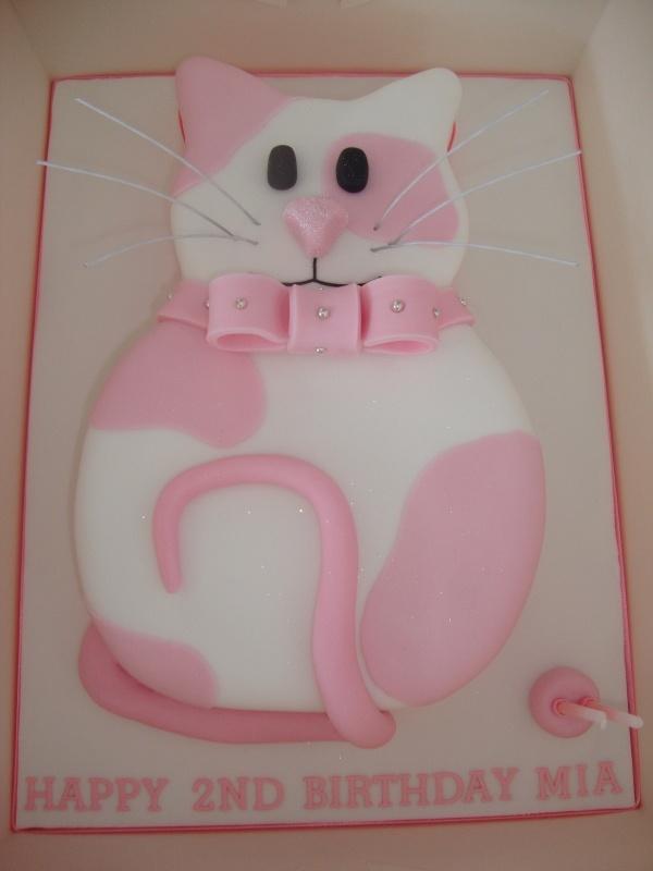 Cat Cake- Mady loves cats!