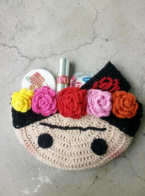 DIY: crochet frida clutch
