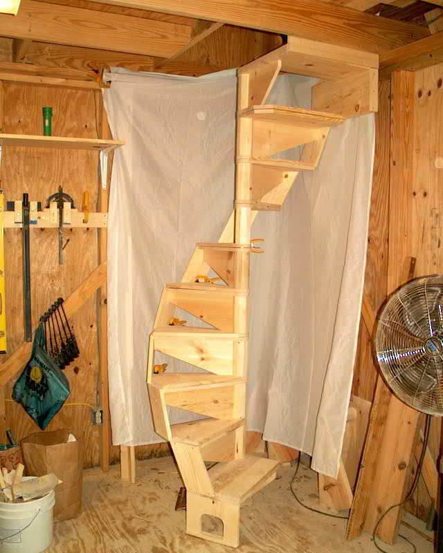 how to build a spiral staircase out of wood