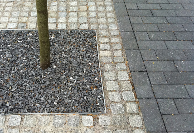 Gravel Filled Tree Pit With Cobble Sets And Pavers At The Mathworks In Natick Ma