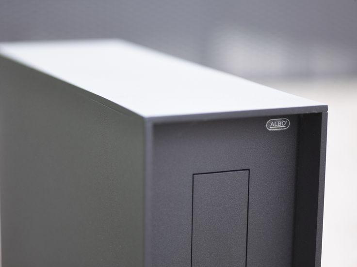 Ne rendez pas la tâche du facteur inutilement difficile. Où et comment dois-je placer ma boîte aux lettres pour lui permettre de nous délivrer le courrier aisément ? Photo: www.argentalu.com