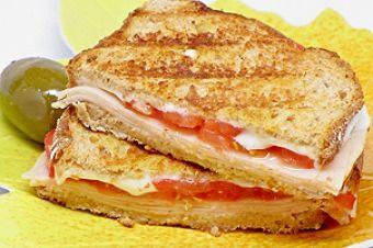 Sandwich Factory Burgers, Sandwiches & Wraps 1098 San Mateo Ave South, San Francisco, 94080 https://munchado.com/restaurants/sandwich-factory/116?sst=a&fb=m&vt=s&svt=l&in=San%20Francisco%2C%20California%2C%20Statele%20Unite%20ale%20Americii&at=c&lat=37.7749295&lng=-122.4194155&p=1&srb=p&srt=d&ovt=restaurant&d=0&st=d
