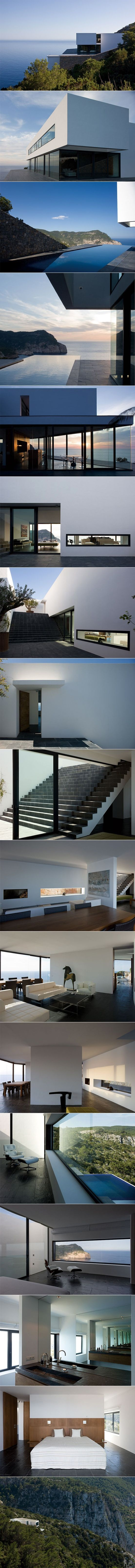 Maison AIBS by Bruno Erpicum and Partners. Spain...almost the same as nettleton