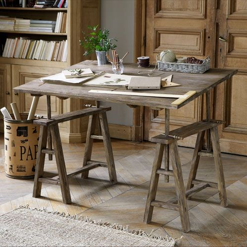 Beautiful farmhouse style drawing table