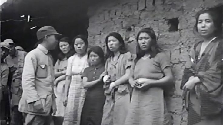 """'Comfort women': Researchers claim first known film https://tmbw.news/comfort-women-researchers-claim-first-known-film  Media playback is unsupported on your deviceSouth Korea has released what it says is the first known footage of """"comfort women"""" forced to work as sex slaves for Japanese soldiers during World War Two.Filmed by US troops in China, the clip was found by government-funded researchers at Seoul National University in US archives.The 18-second clip shows several women lined up…"""