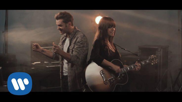 Vanesa Martín feat. Axel - Casi te rozo (Videoclip Oficial)