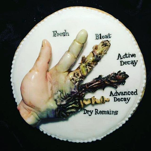 """5 Stages of Decay Cookie"" by Claire Ratcliffe fora  Halloween event at Barts Pathology Museum (""Delicious Decay - The Edible Body Farm) (via remains2beseen on Instagram)"