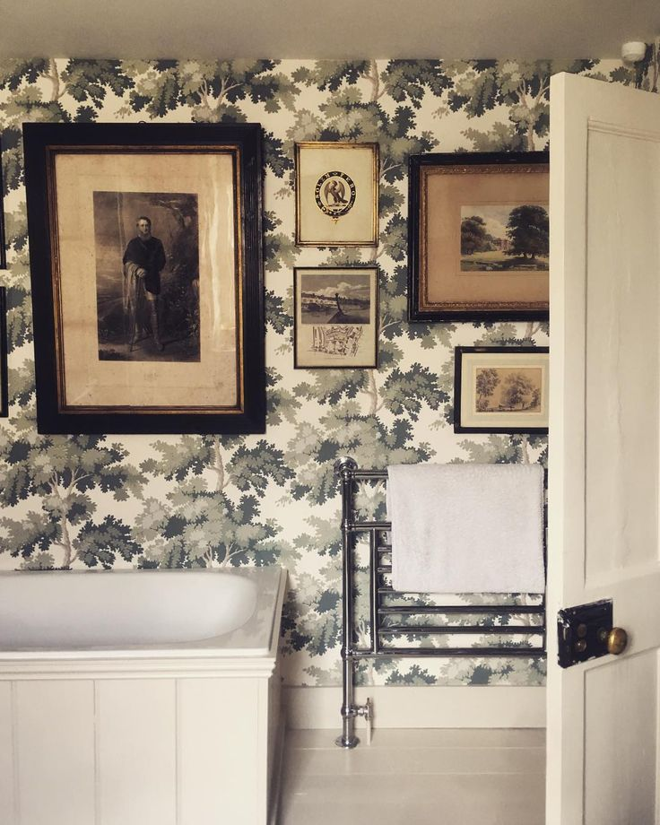 An ice bath seems very appealing at the moment #interiors #antiques #wallpaper #interiordesign #frome #townhouse #georgian #somerset #design #bathroom #tradchap
