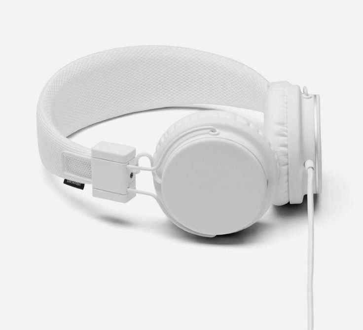 True White Platan Headphone by Urbanears. This is an updated take on the classic headphone design. This full-size headphone features rich sound with a compact foldable body. It also comes with a ZoundPlug on the earcap, to allow a friend to plug in and enjoy your music. http://www.zocko.com/z/JFr8d