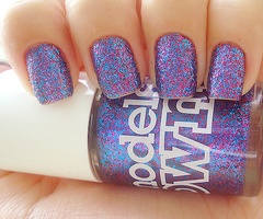: Nail Polish, Glitter Nail, Nailart, Makeup, Sparkle, Nail Design, Beauty, Nails, Nail Art
