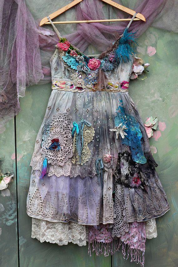 Die Rose und Edelweiss-Kleid - Märchen inspiriert, böhmische romantisch, veränderte Couture,