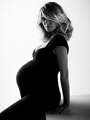 maternity pictures: Maternity Fashion, Photo Ideas, Maternity Pictures, Maternity Pics, Maternity Photography, Pregnancy Photography, Heidi Klum, Photo Shoots, Heidiklum