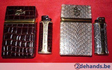 Nieuw- cigarettendoosje + aansteker in croco of slangenleder