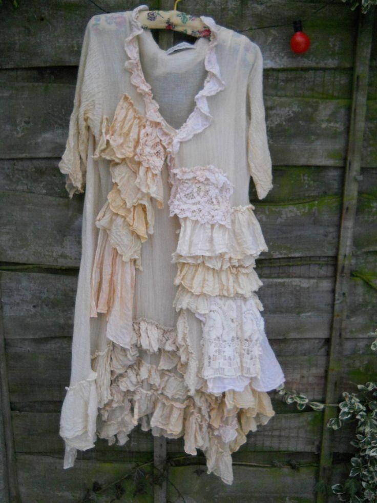 Aspecto auténtico de RITANOTIARA Victorian Romantic Lagenlook crema perla plumero capa ropa Rodeo pradera OSFA de RitaNoTiara en Etsy https://www.etsy.com/es/listing/122257185/aspecto-autentico-de-ritanotiara