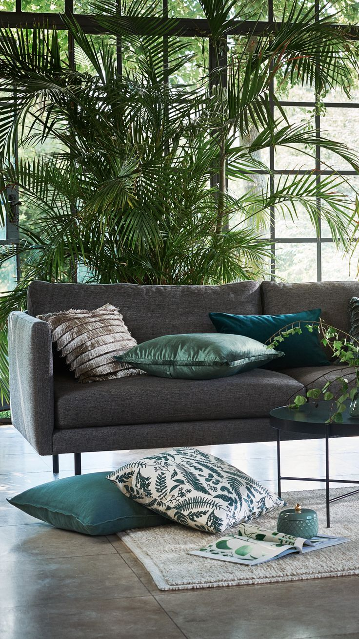 Liven up any room with new home accessories and green tones. | H&M Home