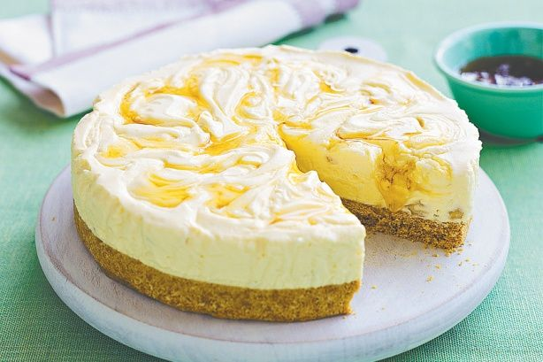 Frozen honey and macadamia cheesecake