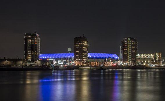 Feyenoord Rotterdam stadium at night van Christian Tuk