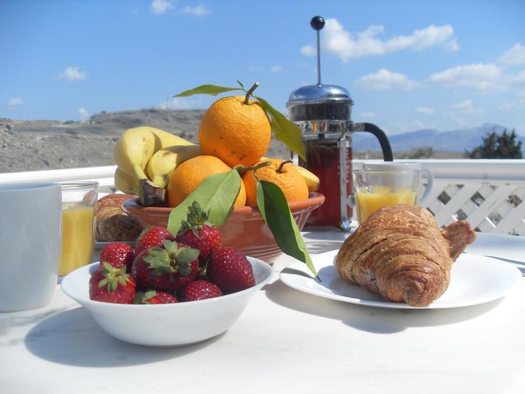Breakfast on the terrace Villa Kleovolina