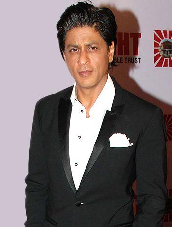 Shahrukh Khan's Abram's glimpse for the people - http://www.bolegaindia.com/gossips/Shahrukh_Khans_Abrams_glimpse_for_the_people-gid-36015-gc-6.html