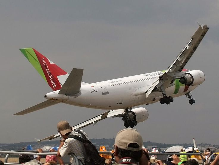 This TAP Portugal Airbus A310 pilot took this lady right to the edge during a 2007 air show
