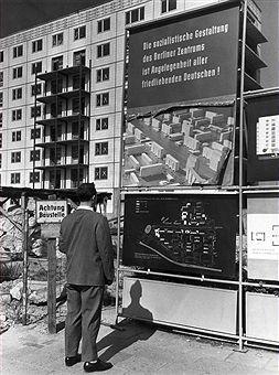 1961 Sozialistischer Wohnungsbau Berlin DDR