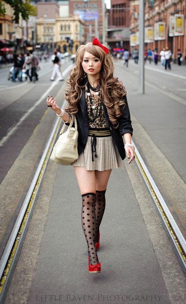 Girls Japanese Street Fashion 20 Knee High Socks Fascinating Street Style Photos From Japan