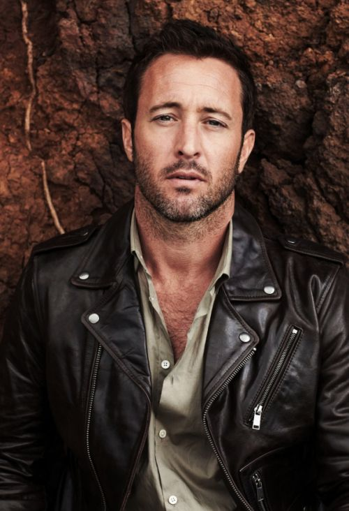 Hawaii Five-0 Hunk #AlexOLoughlin Turns Up The Heat On Oahu | Alex O´Loughlin ~ An Intense Study