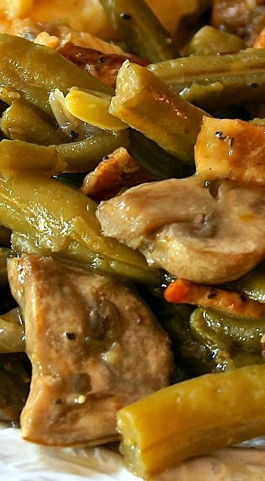 Fresh Green Beans With Bacon, Mushrooms & Herbs Recipe — Dishmaps