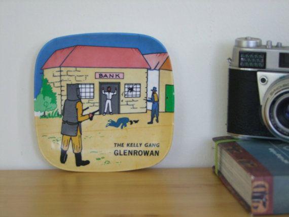 Retro Ned Kelly Cartoon Ashtray (Collectible Australiana). Webel, Italy - Plastic. 1960's/1970's - Amazing Condition
