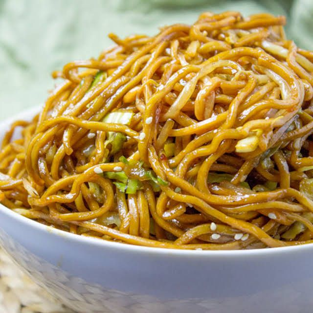 Classic Chinese Chow Mein Recipe In 2020 Food Recipes Best