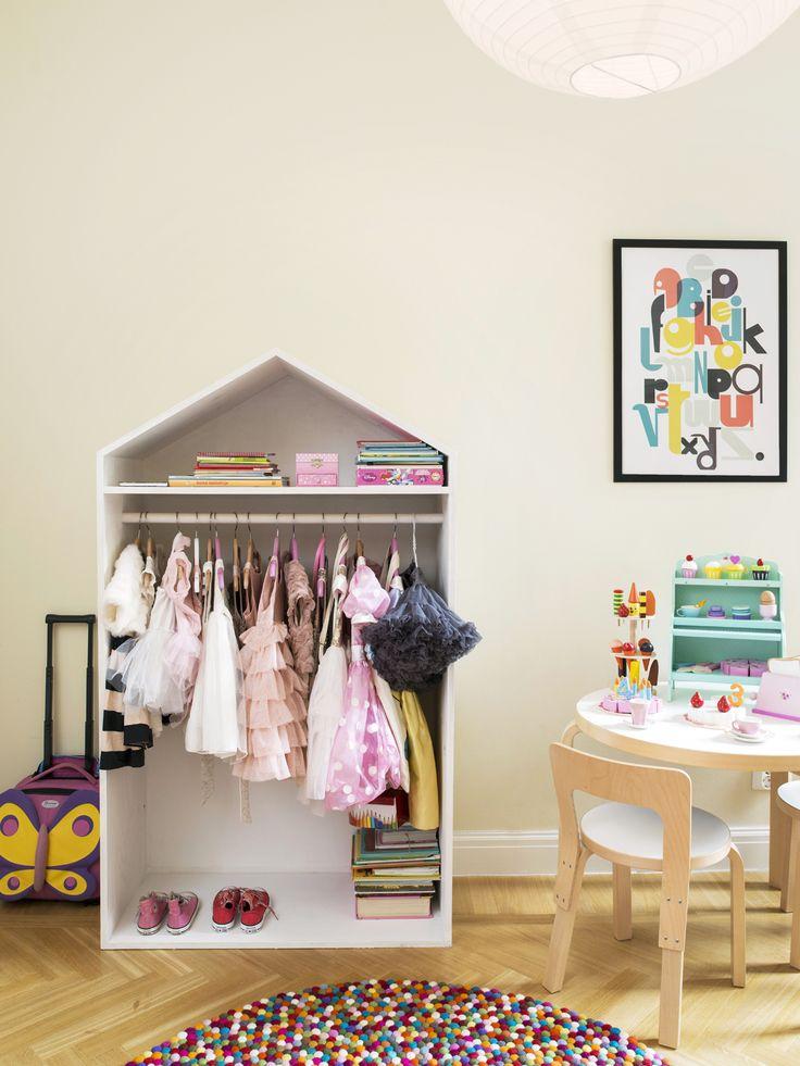 Maalaiskoti vaihtui vuokra-asumiseen ydinkeskustassa: lastenhuone, lastenhuoneen sisustus, kekseliäät ratkaisut lastenhuoneeseen, moderni lastenhuone, tyylikäs lastenhuone, scandinavian living, children's bedroom, finnish design