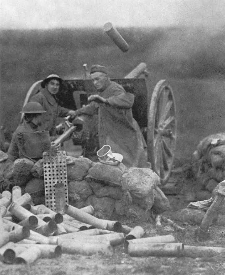 American 75 mm field gun crew in action, Western Front, 1918