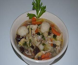 resep cara membuat sup kimlo http://resepjuna.blogspot.com/2016/05/resep-sup-kimlo-istimewa-kuah-enak-euy.html masakan indonesia