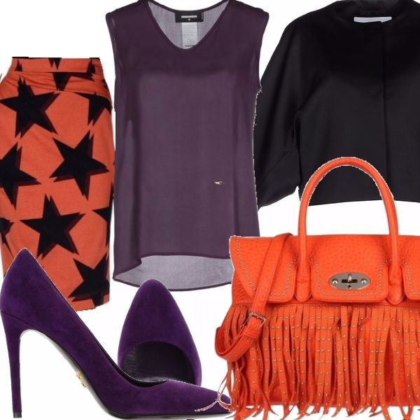 Pencil skirt arancio con stampa a stelle, top senza maniche con scollo a V viola, giacca in crêpe monopetto con scollo tondo e ampie maniche, scarpe con taccn in suede viola, borsa in pelle color arancio con frange