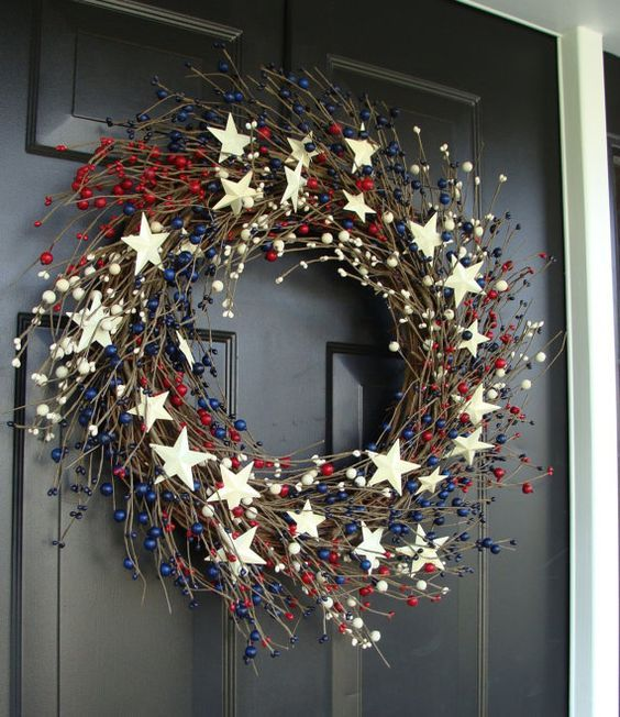 Top 19 July 4th Holiday Wreath Designs – Easy Patriotic Interior Party Decor Project - DIY Craft (16)