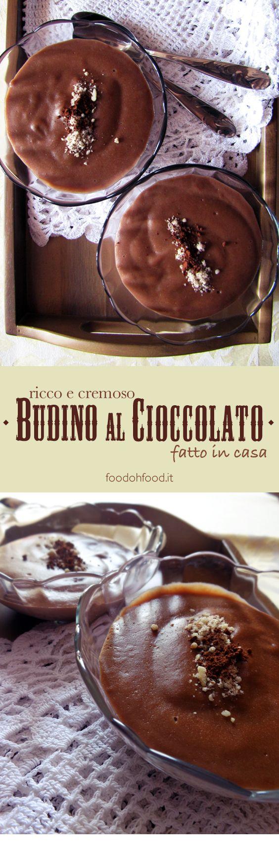 Budino goloso al cioccolato fatto in casa. Semplice, genuino e tanto saporito. L'aggiunta dei tuorli d'uovo lo rende ancora più ricco e cremoso.