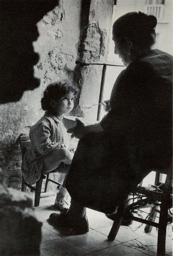 Henri Cartier-Bresson ça me fait penser à ma grand-mère et à sa bienveillance.