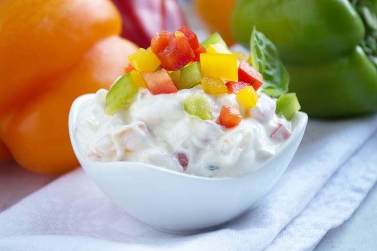 Wer gerne etwas würziger isst, dann ist dieses Rezept vom scharfen Paprika - Dip perfekt. Passt auch zu gegrilltem Fleisch.
