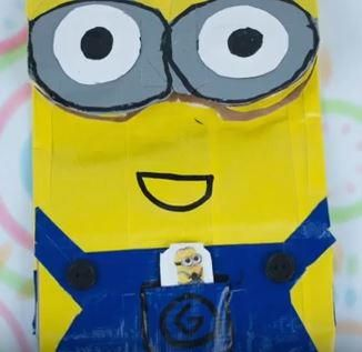 Craft your kids' favorite movie characters with this Duct Tape Minion Bag. You can pack their lunches in something completely unique and they will love taking it to school.