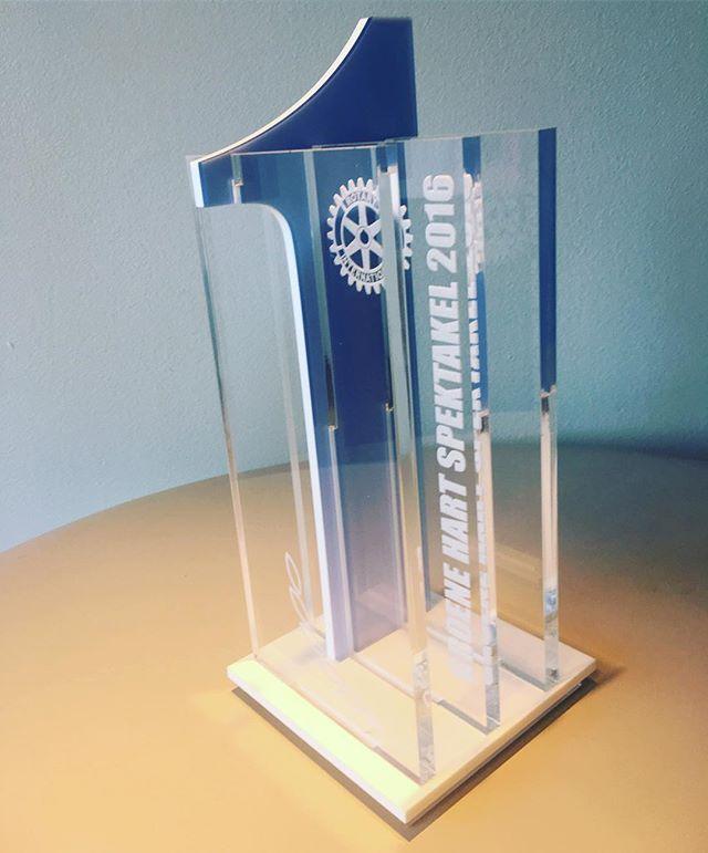Voor het #groenehartspektakel2016 de trofees mogen ontwerpen en realiseren. #lasercut #laserengraved #trofee #perspex #acrylaat #laserwork #nummer1 #instainterior #interieurbouw #interieur #domburgbodegraven