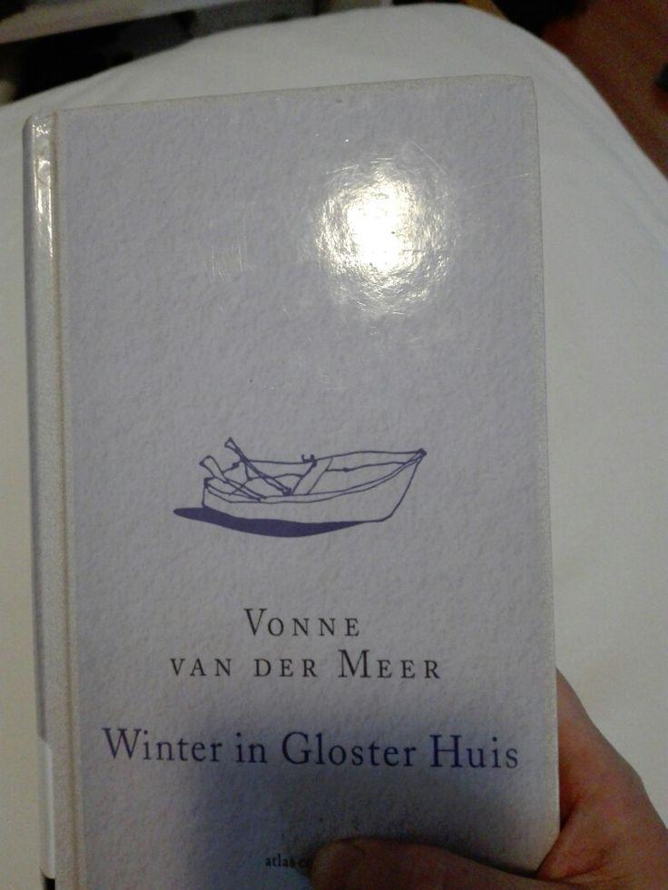 43.2017 Winter in Gloster huis -Vonne van der Meer- Prachtig prachtig prachtig. Heel mooi hoe karakters uit haar andere boeken in dit boek verweven zijn.